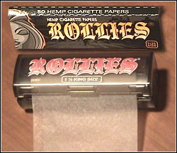 Rollies Rolling Papers, interleaved and 10 feet to a roll